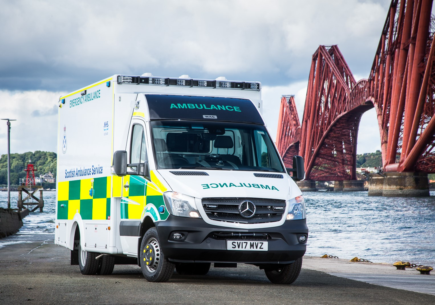 Caledonian truck and van clinches contract to support for Mercedes benz emergency service